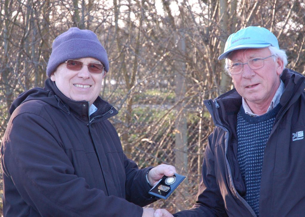 Alan Viney receiving his 'novICE' prize from Martin Crysell.