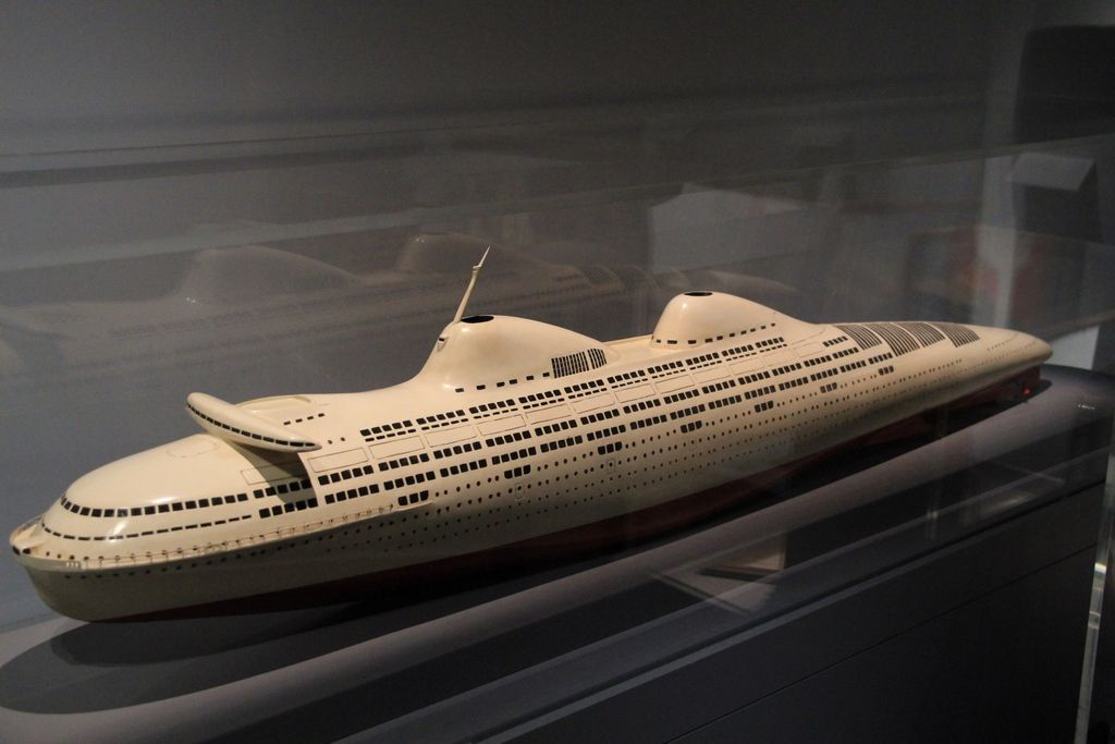 Futuristic liner design from the 1930s