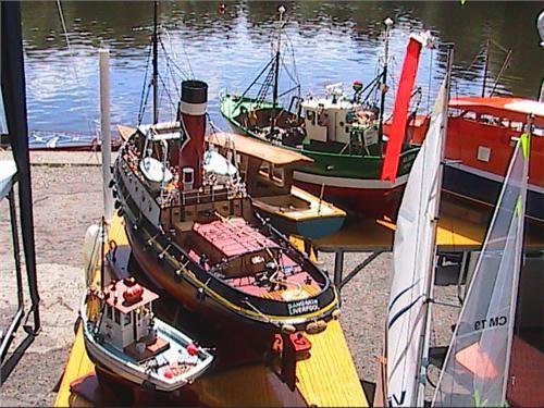 http://www.modelboats.co.uk/sites/2/images/member_albums/1989/HPNX0153.JPG