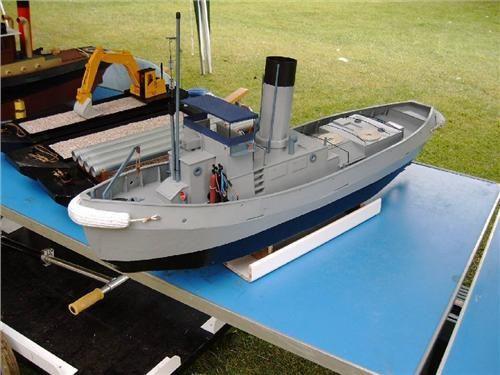 http://www.modelboats.co.uk/sites/2/images/member_albums/2627/Forum_7.11_07.JPG
