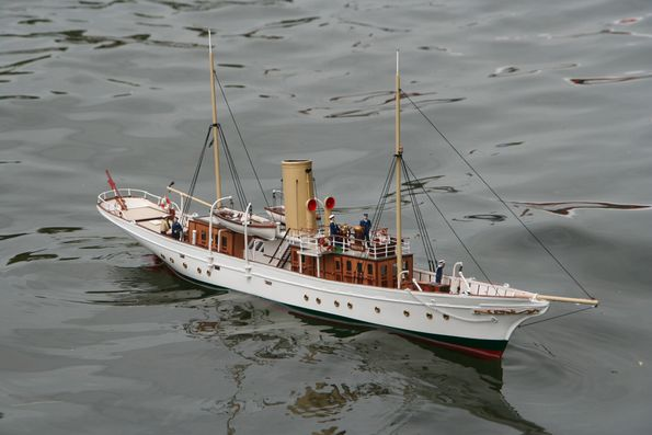 vintage-model-yacht-group-young-boy-brutal-hardcore-sex
